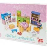 Mobiliario completo casa de muñecas-0