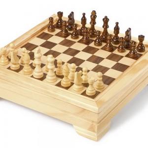 Conjunto de juegos de mesa en una caja-0