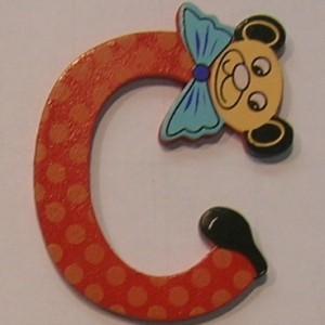 Letra de madera decorativa infantil C-0